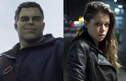 Calurosa bienvenida de Mark Ruffalo (Hulk) a Tatiana Maslany (She-Hulk), su prima en el UCM