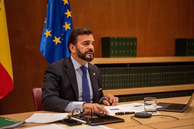 El viceconsejero de Turismo, Regeneración, Justicia y Administración Local, Manuel Alejandro Cardenete, interviene en la Comisión NAT del Comité de las Regiones de la UE para presentar un dictamen sobre la sostenibilidad del sector turístico.