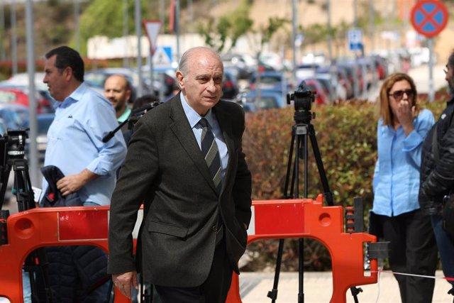 Continuan las visitas al Hospital Puerta de Hierro de Majadahonda (Madrid) donde se encuentra ingresado Alfredo Pérez Rubalcaba