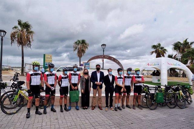 Llegada de los integrantes de la ruta Magallanes-Elcano a Sanlúcar
