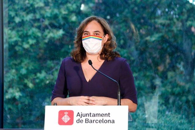 Pla mitjà de l'alcaldessa Ada Colau durant una roda de premsa el 18/09/2020 (horitzontal)