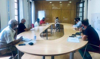 Santiago se reúne con el tercer sector para pactar las plazas de los servicios para personas con discapicidad