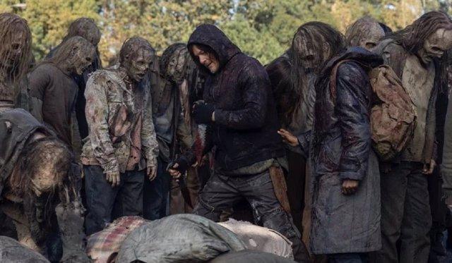 The Walking Dead: Daryl se prepara para acabar con los Susurradores en las nuevas fotos del 10x16