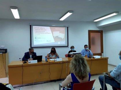 Expertos en derecho debaten  en la Misericòrdia sobre regulación de usos lingüísticos en las administraciones públicas