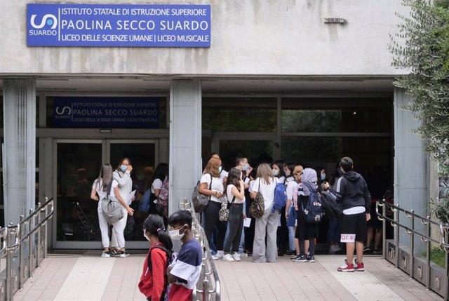 Coronavirus.- Italia sigue con la tendencia al alza y suma otros 1.900 contagios