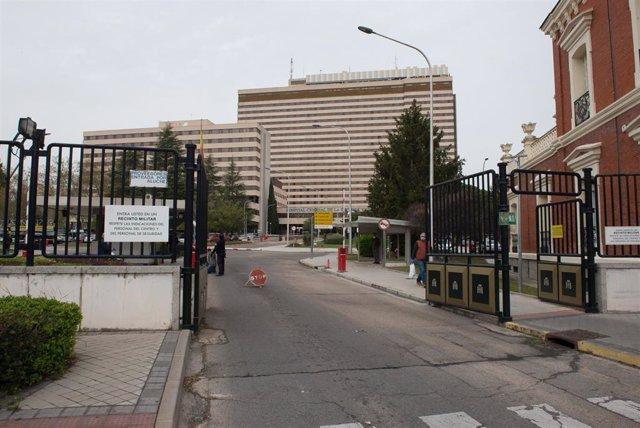 Fachada y zonas exteriores del Hospital General de la Defensa Gómez Ulla donde se lucha contra el coronavirus, en Madrid (España), a 18 de marzo de 2020.