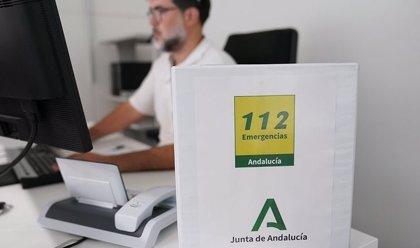 El 112 gestiona durante este viernes 180 incidencias en Andalucía por el viento y la lluvia