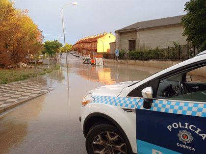 Las tormentas del viernes dejan inundaciones en polígonos y calles de Cuenca y tres rescates en vehículos