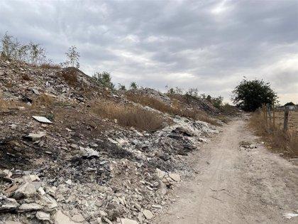 """Adelante Sevilla urgen soluciones para acabar con """"los vertidos y quemas incontroladas"""" en el entorno del río Guadaíra"""