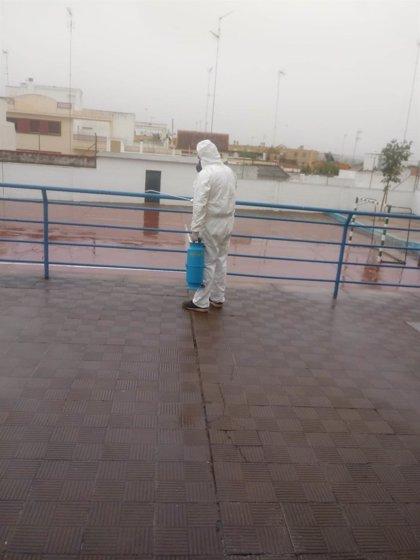 Alcalá de Guadaíra (Sevilla) desinfecta en colegios con casos de coronavirus