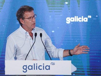 """Feijóo apela a """"cambiar con Galicia"""" y defiende los relevos en su Gobierno: """"La Xunta se renueva y se rearma"""""""