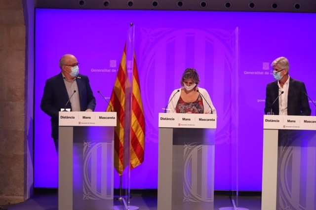 El conseller Josep Bargalló, la consellera Alba Vergés i el director de Salut Pública Josep Maria Argimon
