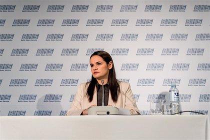 """Bielorrusia denuncia """"injerencia"""" por la reunión de Tijanovskaya con los ministros de Exteriores de la UE"""