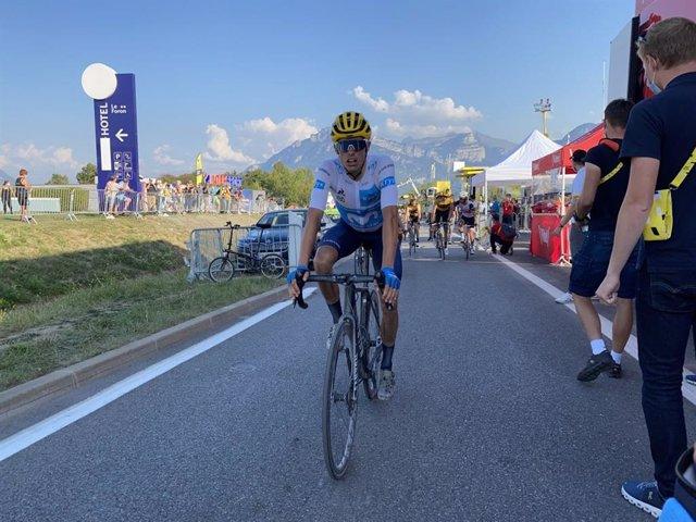 Enric Mas tras cruzar la meta de la decimoctava etapa del Tour de Francia 2020