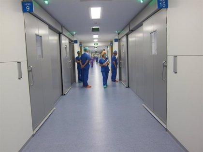 """Más de 170.000 sanitarios piden a las autoridades una respuesta """"coordinada y basada en la ciencia"""""""