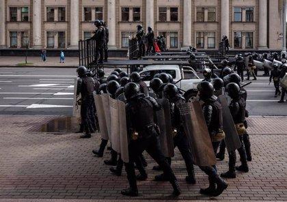 Más de 300 detenidos en una manifestación de mujeres contra Lukashenko