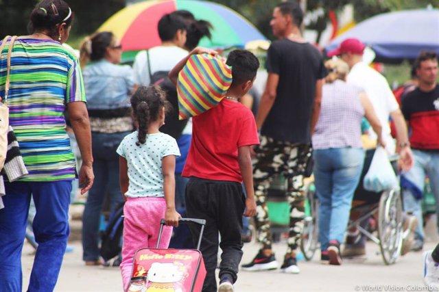 Migrantes venezolanos llegan a Colombia