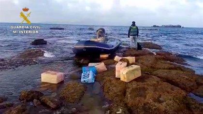 Detenidas 30 personas e incautadas seis toneladas de hachís en otra operación en Cádiz
