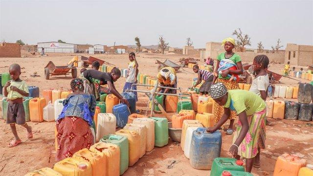 Burkina Faso.- En Burkina Faso, violencia, desplazamiento y trauma van de la man