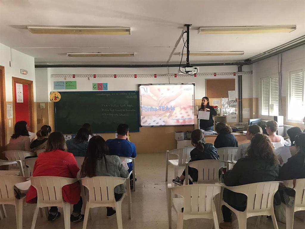 La Diputación de Málaga financia una nueva edición de las jornadas formativas sobre Asperger y TEA por la provincia 2