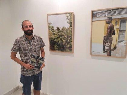 Las fotos de Pablo Vara muestran el latir de Dominica en la Galería Alfareros de Diputación