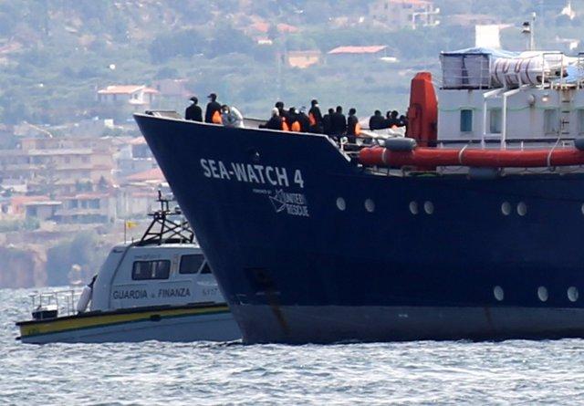 Europa.- Italia inmoviliza en Palermo el barco de rescate de migrantes 'Sea-Watc
