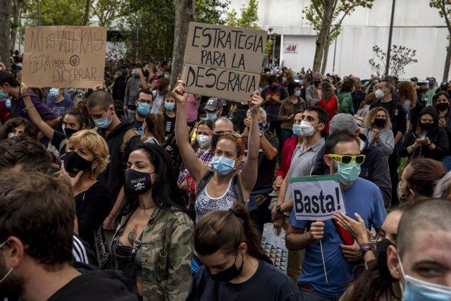 El Madrid 'restringido' se moviliza contra las medidas de Ayuso