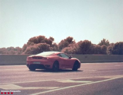 Denunciado por conducir a 216 kilómetros por hora en la AP-7 en Roda de Berà (Tarragona)
