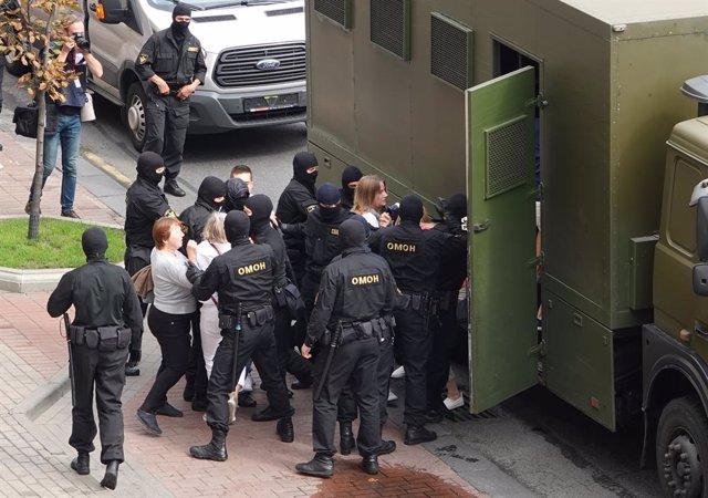 Bielorrusia.- Numerosos detenidos por uniformados encapuchados durante nuevas pr