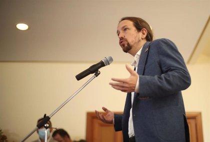 """Iglesias responde a Casado que """"ser republicano no es atacar"""" la Constitución"""