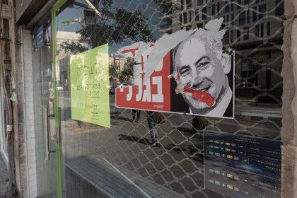 Israel.- Arrestado un conductor que amagó con romper los controles que custodiaban una protesta contra Netanyahu