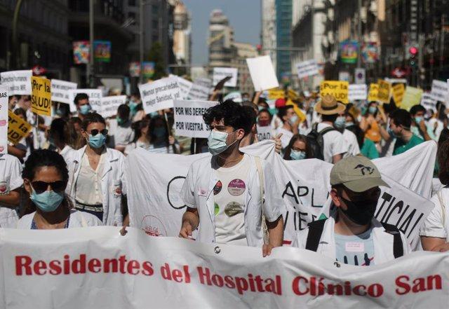 Manifestació dels metges interns residents (MIR) (Arxiu)