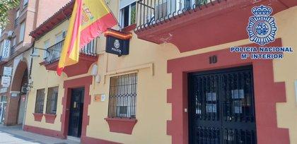 La Policía detiene a una persona por robar en un bar de Alcázar mientras huía con el botín