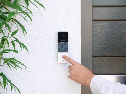 Netatmo permite ver quién está en la puerta de casa mediante videollamada con su nuevo timbre con vídeo inteligente