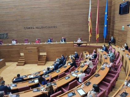 Puig comienza su discurso del debate de Política General con un recuerdo a las 1.584 víctimas de la Covid-19