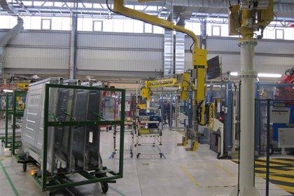 Caen un 12,7% las exportaciones hasta julio y un 22,8% las importaciones