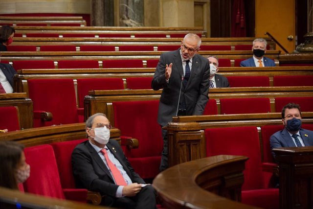 El líder de Cs a Catalunya, Carlos Carrizosa, s'adreça al president de la Generalitat, Quim Torra, durant el ple del Parlament. Barcelona, Catalunya, (Espanya), 9 de setembre del 2020.
