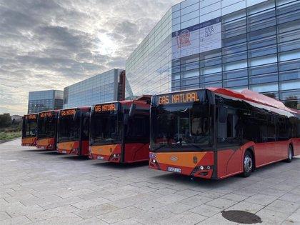 El Ayuntamiento de Burgos incorpora cinco nuevos autobuses de gas a la flota municipal