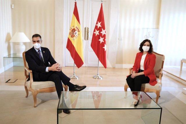 El president del Govern espanyol, Pedro Sánchez, i la presidenta de la Comunitat de Madrid, Isabel Díaz Ayuso. Madrid (Espanya), 21 de setembre del 2020.