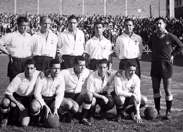 Fallece el ex jugador del Racing Club José Antonio Campón (tercer jugador en la fila superior derecha)