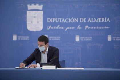 Diputación de Almería firma el convenio colectivo con los trabajadores tras alcanzar un acuerdo unánime