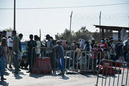 Grecia.- Más de 240 migrantes dan positivo por coronavirus tras la destrucción del campo de Moria en Lesbos