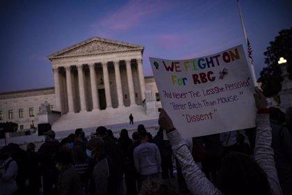 Los restos de la jueza Ruth Bader Ginsburg reposarán esta semana en el Tribunal Supremo de EEUU
