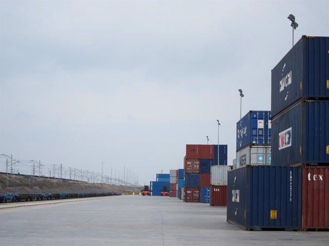 Terminal marítima, contenidors, exportacions, importacions