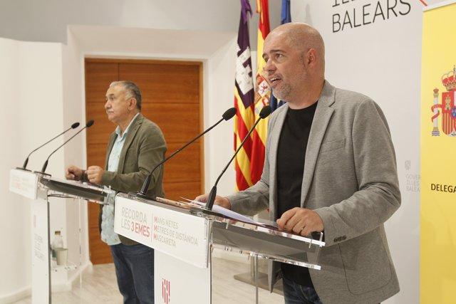 (I-D) El secretario general de UGT y el de CCOO, Pepe Álvarez y Unai Sordo, ofrecen declaraciones a los medios