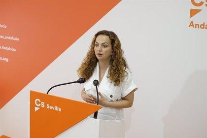 Cesada Marta Escrivá como delegada provincial de Educación en Sevilla