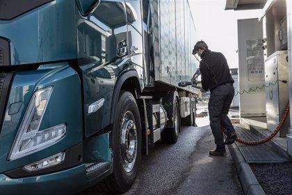Volvo Trucks pide una mayor inversión en gasineras para reducir las emisiones del transporte