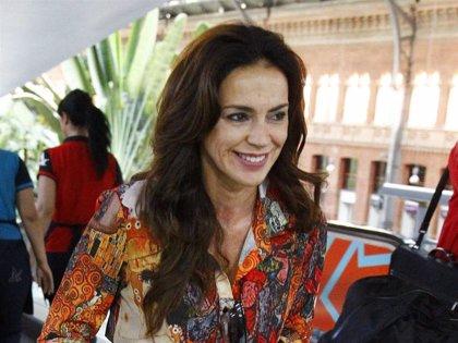 Olga Moreno, de lo más sonriente, confirma sin palabras que su crisis con Antonio David es cosa del pasado
