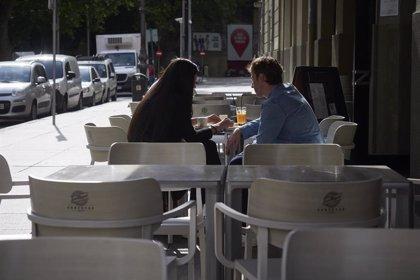 La cifra de negocios de la hostelería desciende un 43,2% en julio respecto al mismo periodo de 2019
