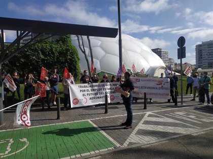 """Trabajadores de Aciturri se concentran en Valladolid para pedir """"prudencia"""" antes de aplicar el ERE"""